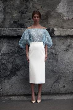 Vika Gazinskaya - stunning peasant blouse and pencil skirt combo #whitepencilskirt #peasantblouse #polkadots