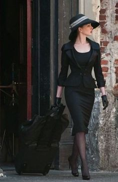 50 Classy Elegant Outfits for Women Classy Elegant Outfits for Women, Classy Winter Work Outfits Suggestions for Girls If you decide on a superior winter coat then you won't need to discover a winter coat annually. The jacket and waders you decide to Vintage Outfits, Vintage Dresses, Vintage Fashion, Classy Dress, Classy Outfits, Beautiful Outfits, Elegant Dresses Classy, Classy Girl, Formal Outfits
