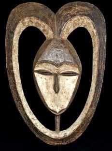 Masque facial EKUK - KWELE - Gabon