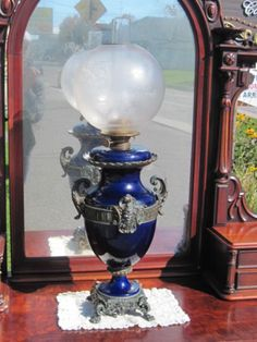 IMPRESSIVE-AND-RARE-PARLOR-OIL-LAMP-34-INCH-TALL-DOUBLE-BURNER
