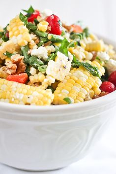 Grilled Roasted Corn Salad with Tomatoes, Goat Cheese, and Walnuts. You can omit the goat cheese to fit into your clean eating lifestyle. Vegetarian Recipes, Cooking Recipes, Healthy Recipes, Vegetable Recipes, Healthy Foods, Cooking Dishes, Dessert Healthy, Vegetable Salad, Healthy Weight