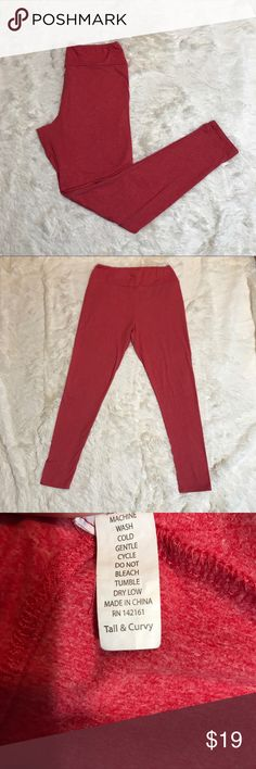 LuLaRoe Tall & Curvy Leggings LuLaRoe Leggings Tall & Curvy In A Orange Red Color Small Flaw Off A Tear Near The Waist Area Pictured Above In Last Picture LuLaRoe Pants Leggings