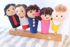 フェルトで作成した「おはなしゆびさん」のゆび人形です。 指人形のサイズは一般的な大人の指のサイズです。お父さん、お母さん、お兄さん、お姉ちゃん、赤ちゃんのゆび... ハンドメイド、手作り、手仕事品の通販・販売・購入ならCreema。
