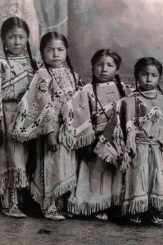 Girls. Lakota Sioux