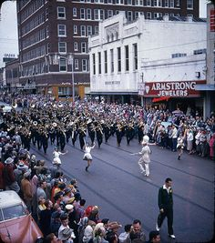 1953 #Baylor Homecoming Parade! // Click through for more color photos from that year, via the Texas Collection's Flickr page. #SicEm #BUHC13
