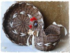 """Купить Плетёный набор """" Пасхальный"""" - коричневый, курочка ряба, Пасха, пасхальный сувенир Newspaper Crafts, Basket Weaving, Woven Baskets, Rattan, Bamboo, Photo Wall, Knitting, Diy, Home Decor"""