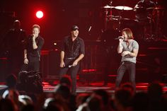 """Luke Bryan and Florida Georgia line perform """"That's My Kind of Night"""" and """"Cruise"""" at CMA Awards Brian Kelley, Country Boys, Country Music, Tyler Hubbard, Cma Awards, Florida Georgia Line, Faith Hill, Luke Bryan, Country"""