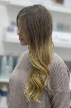 https://www.facebook.com/Luigi-Ruocco-Parrucchiere-399776346765546/  #cdj #degrade #degradé #igers #musthave #hair #hairstyle #haircolour #longhair #ootd #hairfashion #madeinitaly #wellastudionyc #luigiruocco #napoli #parrucchierenapoli #contourin
