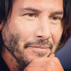 Lost in your eyes!!! #keanureeves at the gala screening of #JohnWickChapter2 - Colin Hart Photography facebook.com/ColinHartPhoto…