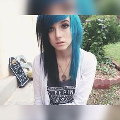 ::F.C.Alex Dorame::Hey I'm Alex. My sister is Shannon.im in mde. I'm fucked up and crazy. I self harm and I'm socially awkward. I say the most randomest of things at random times and just make things awkward. I don't like choices or decisions. Come say hi I guess