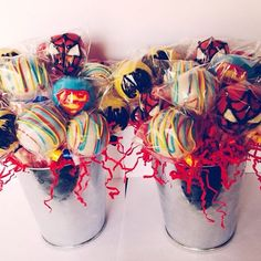 Marvel cake pops - OMG @Jada Burk Donnelly i should have this instead so i can put one at each table! *screaming*