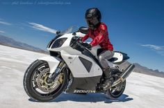 Honda RC51, Photo by Phil Hawkins