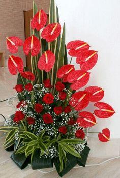 Choosing The Flower Arrangements For Church Wedding Tropical Flower Arrangements, Creative Flower Arrangements, Church Flower Arrangements, Altar Flowers, Church Flowers, Funeral Flowers, Flowers Garden, Ikebana, Exotic Flowers