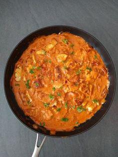 Halloumistroganoff (vego) | Tjockkocken Vegetarian Recipes, Cooking Recipes, Healthy Recipes, 300 Calorie Lunches, Food Fantasy, Just Eat It, Recipe For Mom, Vegan Dinners, Halloumi