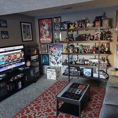 ", Nintendo Dreamcast Xbox NES Retro-Videospiel-Controller-Couchtisch ""Zero, otro estúpido juego para fomentar el espíritu signifiant equipo not any"", dijo el e. Nerd Room, Gamer Room, Retro Videos, Retro Video Games, Funko Pop Display, Dream Cast, Home Music, Gaming Room Setup, Video Game Rooms"