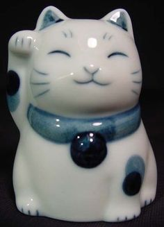 Japan Porcelain Blue White Maneki Neko Beckoning Cat | eBay