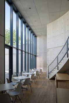 Konferenz- und Tagungsgebäude, Vitra Campus, Weil am Rhein   Flickr - Photo Sharing!