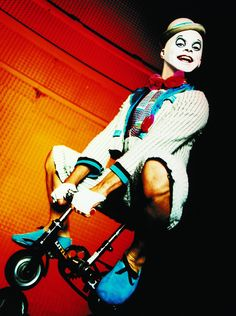 The Little Walker goes and goes. Why he stops, nobody knows. ( La Nouba by Cirque du Soleil )  http://cirk.me/1wrtffv