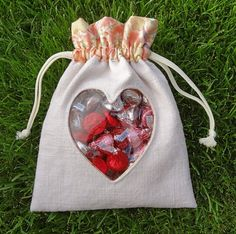 Twinkle and Twine: Tutorial: Peek-A-Boo Heart Pouch