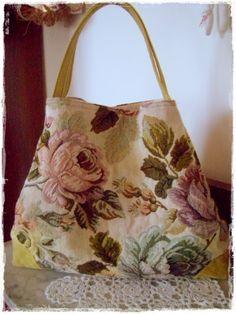 Gobelin s bag borsettefatteamano Diy Sac, Crochet Market Bag, Denim Tote Bags, Carpet Bag, Tapestry Bag, Diy Handbag, Tote Backpack, Fabric Bags, Quilted Bag
