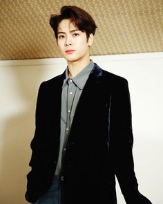 Jackson's facial features are very pleasing to look at 👀 Got7 Jackson, Jackson Wang, Youngjae, Kim Yugyeom, Jinyoung, Girls Girls Girls, K Pop, Rapper, Mark Bambam