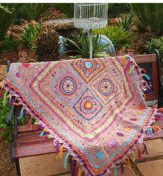 Garland, Blanket, Crochet, Crochet Crop Top, Chrochet, Rug, Blankets, Cover, Crocheting