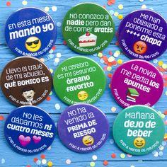 Estas son algunas de las chapas personalizadas que nos encargaron Manoli y Fran... ¡Felicidades pareja! #bodas #chapas #mipedidoyosoytuchapa#chapas #chapasparabodas#yosoytuchapa #bodas2018#novias2018 #chapaspersonalizadas#boda#bodas #wedding#detalleinvitado Ideas Para Fiestas, Desserts, Lol Quotes, Sheet Metal, Buttons, Couple, Key Fobs, Weddings, Blue Prints