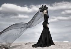 Dark Beauty, Daenerys Targaryen, Disney Characters, Fictional Characters, Game Of Thrones Characters, Goth, Disney Princess, Gothic, Goth Subculture