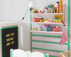 Einkaufsladen fürs Kinderzimmer mit etwas Tape & einem Regal