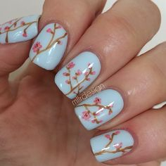 Is it hard to tell that I'm ready for spring? ☀️ One of my newer favorites Essie Find me an oasis as base   #nails #nailart #girly...
