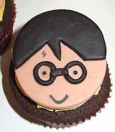 Krista's Kupcakery and Kakes, LLC: The devil is in the details. Harry Potter Cupcakes, Food Obsession, Creative Food, Beautiful Cakes, Birthday Party Themes, Cake Decorating, Cupcake Ideas, Detail, Nerdy