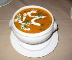 Lobster Bisque Lobster Bisque, Healthy Options, Soups And Stews, Delicious Food, Thai Red Curry, Dressings, Soup Recipes, Sauces, Good Food