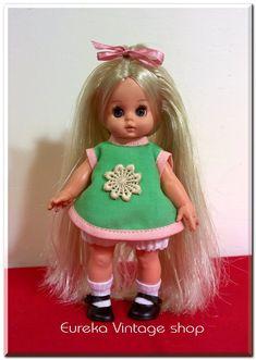 Girls Dresses, Flower Girl Dresses, Dolls For Sale, Old Toys, Vintage Dolls, Vintage Shops, Wedding Dresses, Fashion, El Greco
