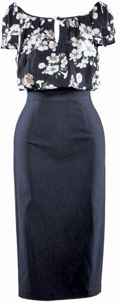 """Superbe robe """"Maria"""" de Stop Staring avec un bustier léger en voile imprimé et une jupe façon crayon noire. De toute beauté!"""