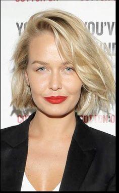 Perfect hair - Lara Bingle