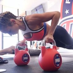 Get an intense, satsifying HIIT workout you can do anywhere with these moves. #hiitworkout #totalbodyworkout #fitnesstips Intense Cardio Workout, Abs Workout Video, Abs Workout Routines, Best Cardio, Ab Workout At Home, Fun Workouts, Free Workout, Cardio Barre, Hiit