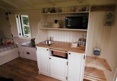Internal Susan's Hut 2.jpg