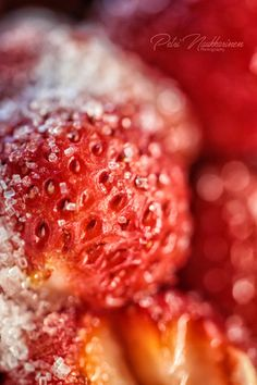 Strawberry with Sugar Caviar, Strawberry, Sugar, Fish, Meat, Photography, Photograph, Fotografie, Strawberry Fruit