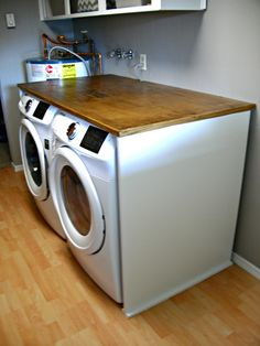 How to build a laundry folding table to fit over a front load washer and dryer. How to build a laundry folding table to fit over a front load washer and dryer Folding Table Diy, Laundry Room Folding Table, Laundry Room Tables, Folding Laundry, Laundry Room Bathroom, Laundry Rooms, Laundry Area, Small Laundry, Laundry Closet