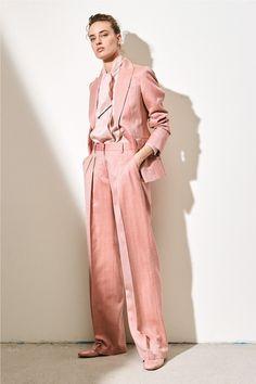 Kiton Spring 2020 Ready-to-Wear Fashion Show, Spring 2020 Ready-to-Wear Collection - Vogue. Fashion Week, Fashion 2020, Love Fashion, Spring Fashion, High Fashion, Autumn Fashion, Fashion Design, Modest Fashion, Fashion Outfits