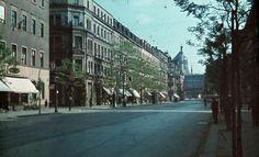 Dresden - Straße in Dresden; im Hintergrund die Zigarettenfabrik Yenidze 1940