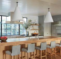 Home Interior Salas Loft Kitchen, Kitchen Layout, Kitchen Interior, Kitchen Decor, Kitchen Ideas, Kitchen Island, Barn Kitchen, Kitchen Wood, Interior Plants
