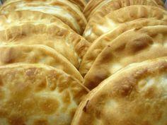 Empanadas rellenas de crema pastelera y frutillas- el gran chef