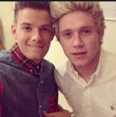 Oh look it's only @NiallOfficial - nice to meet you bro