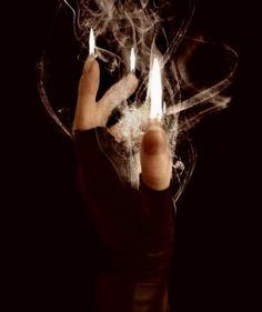 Dark Magic - Cruenta        Aqueles  Que Se Encaminham Para Os Braços Dos Obscuros Tecem Em Si Mesmos As Vestimentas Cheias De Festas D...