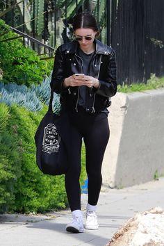 Rooney Mara Designer Sunglasses with deep dark green lenses Minimalist Style, Minimalist Fashion, Rooney Mara, Joaquin Phoenix, Beauty Guide, Black Outfits, Sport Chic, Gothic Girls, Outfit Posts