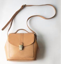 Leather Hinged Purse and handbag with handle and strap. Doctor Bag by TheArtistsSack on Etsy https://www.etsy.com/listing/220054175/leather-hinged-purse-and-handbag-with