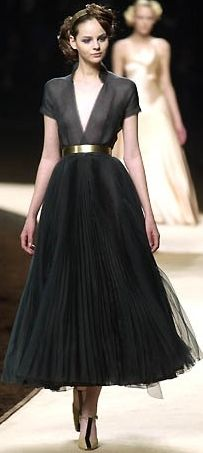 Full black ballet skirt with gold belt. #Chanel 2013