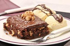 Aprenda a preparar esse brownie de Nutella® com nozes. Com certeza, uma sobremesa que vai deixar todos com água na boca! Veja os ingredientes: