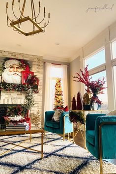 Bold and Glam Christmas Decorating Ideas in Our Living Room   I'm sharing this years Christmas decor ideas with bright, bold, and gold fireplace mantle ideas. Diy Christmas Room, Homemade Christmas Decorations, Christmas Time Is Here, Small House Decorating, Decorating Tips, Fireplace Trim, Mantle Ideas, Diy Painting, Fireplaces
